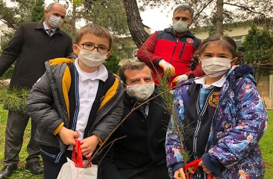 Başkan Mustafa Işık : '' Tüm çocuklarımızın bir orman gibi yeşermelerini dilerim''