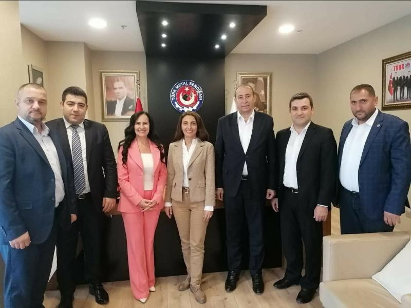 Bursa Milletvekili Nurhayat Altaca Kayışoğlu ziyaretlerine hız kesmeden devam ediyor.