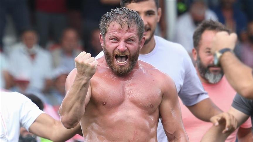 669. Tarihi Elmalı Yağlı Güreşleri'nde başpehlivanlığı İsmail Balaban kazandı
