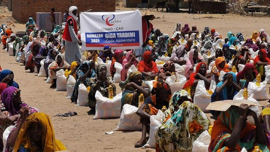 Fransa'da Türklerin kurduğu dernek Çad'da 250 aileye gıda paketi dağıttı