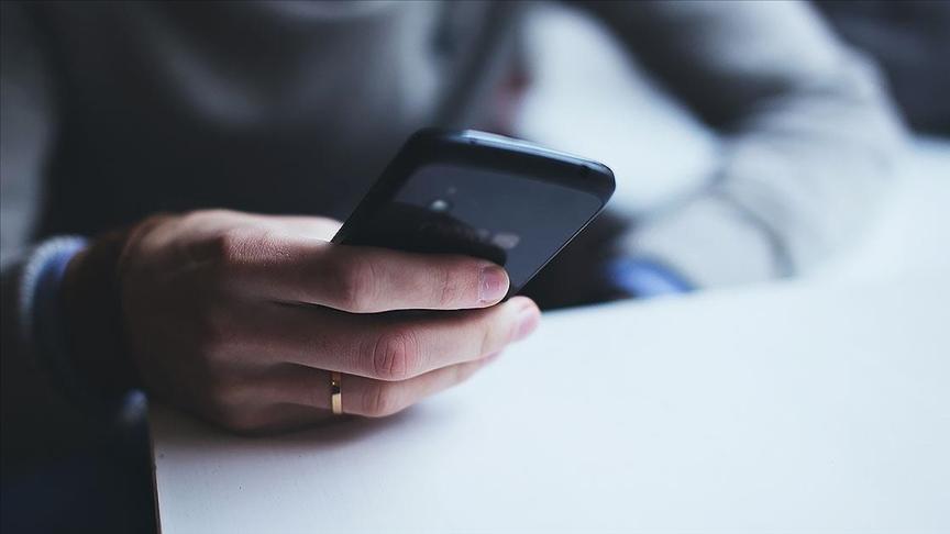 AYM, casus yazılımla eşin telefonundan belge temin edilmesini hak ihlali saydı