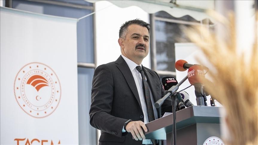 Bakan Pakdemirli: Bitkisel Gıdalar Araştırma Merkezi 1737 fabrikaya ve 931 tohum firmasına hizmet verecek