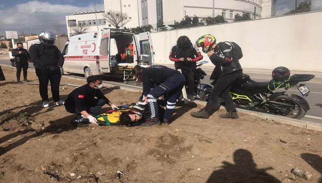 Bursa'da devrilen motosikletin sürücüsü yaralandı