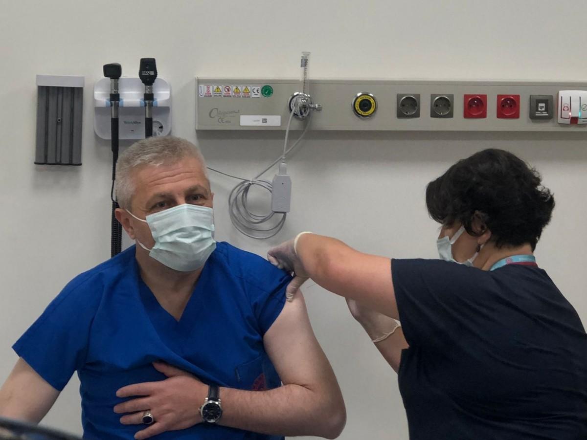 İl Sağlık Müdürü Dr. Fevzi Yavuzyılmaz'dan gençlere aşı daveti
