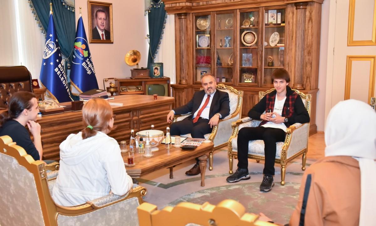 Başkan Aktaş, Bursa'nın fizik dâhilerini ağırladı