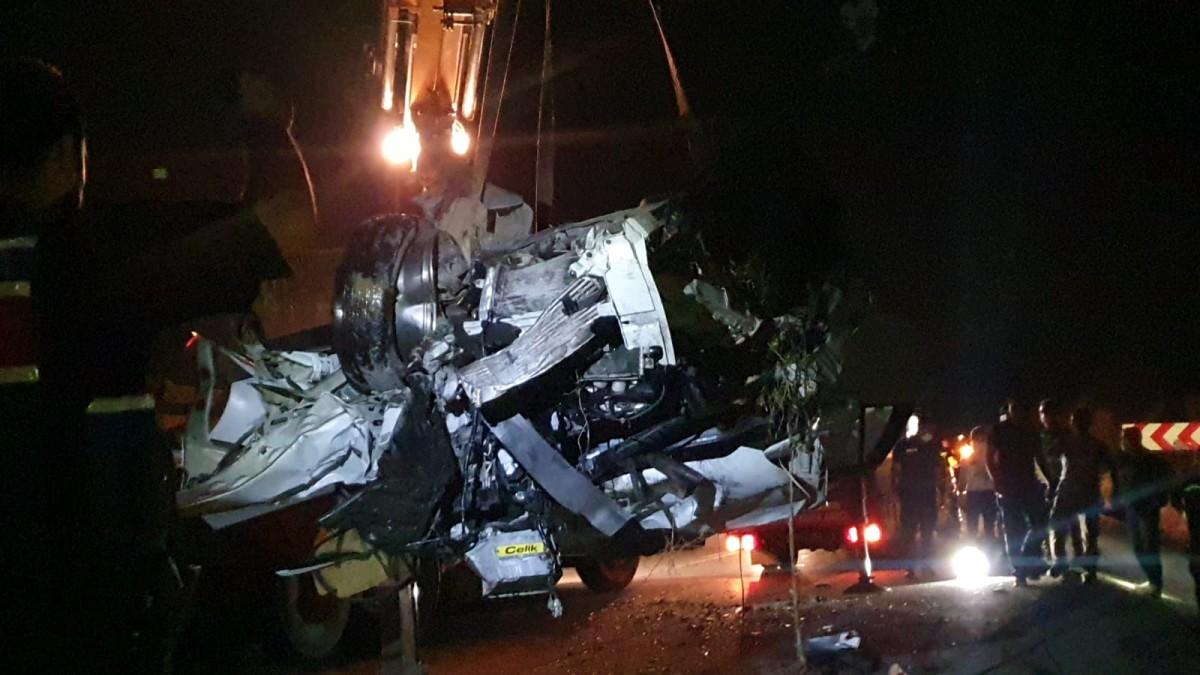 Bursa'da 3 aracın karıştığı kazada 1 kişi öldü, 5 kişi yaralandı