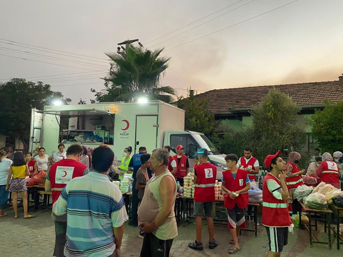 Türk Kızılay Bursa Şubesi'nden afet bölgesinde 24 saat gıda yardımı