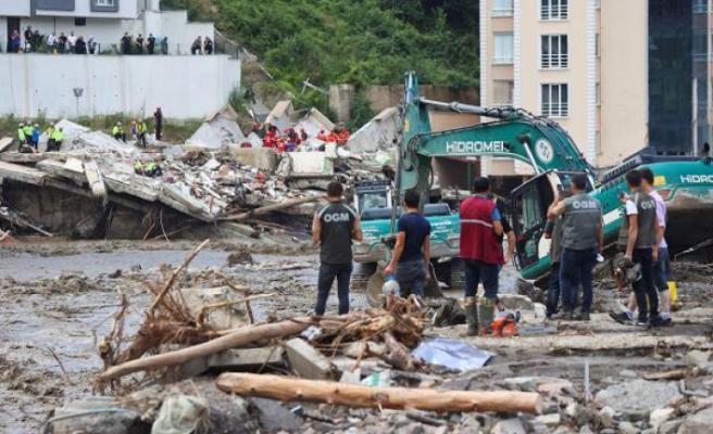 Sel felaketinde can kaybı 40'a yükseldi