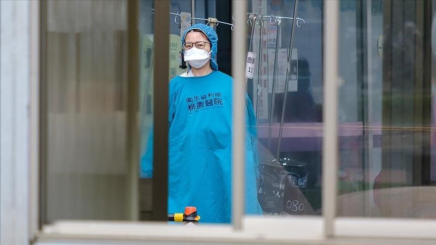 DSÖ: Kovid-19'la mücadelede dünyada en az 115 bin sağlık çalışanı hayatını kaybetti