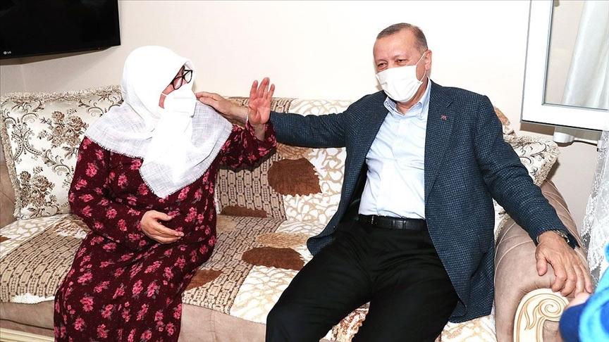 Cumhurbaşkanı Erdoğan, daha önce telefonla görüştüğü Mahruze Keleş'i ziyaret etti