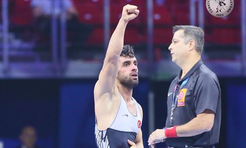 Avrupa Güreş Şampiyonası'nda Ekrem Öztürk gümüş madalya aldı