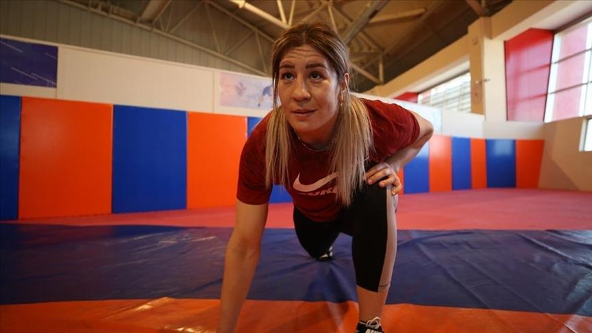 Milli güreşçi Yasemin Adar'ın hedefi olimpiyat şampiyonluğu