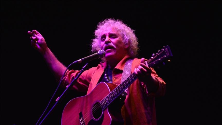 Bursa'da 'Yeni Türkü' grubu, '40'ıncı Yıl Özel Konseri' verdi