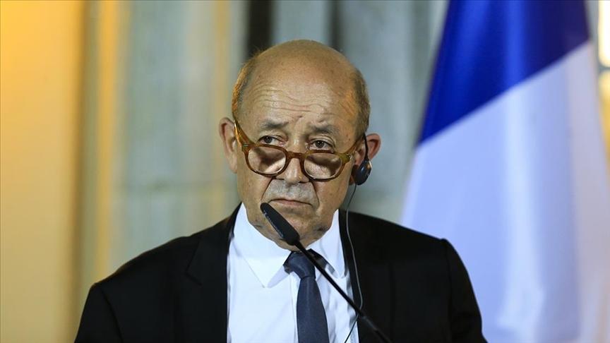 Fransa, hükümetin kurulmasını engelleyen Lübnanlı siyasetçilerin ülkeye girişine kısıtlama getirdi