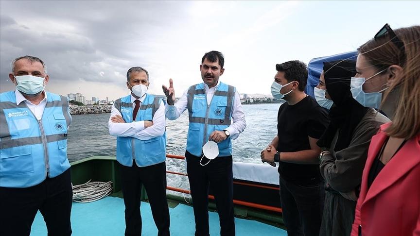 Marmara Denizi'nden 12 günde 4 bin 555 metreküp müsilaj temizlendi