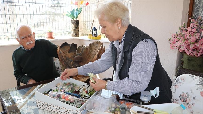 İkinci baharında yakalandığı kanseri ailesinin desteğiyle yendi
