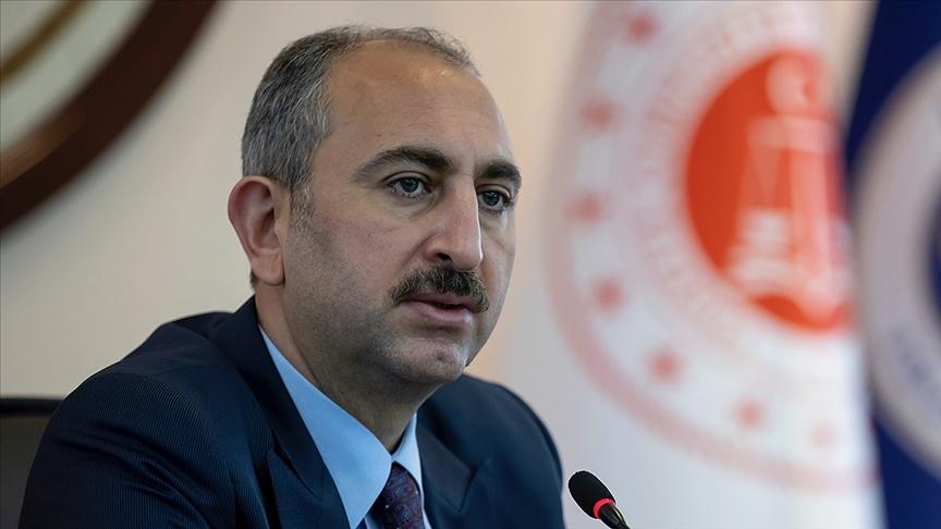 Adalet Bakanı Gül: Bir tek kadının dahi şiddetle yüz yüze gelmediği vakte kadar çalışmaya devam edeceğiz