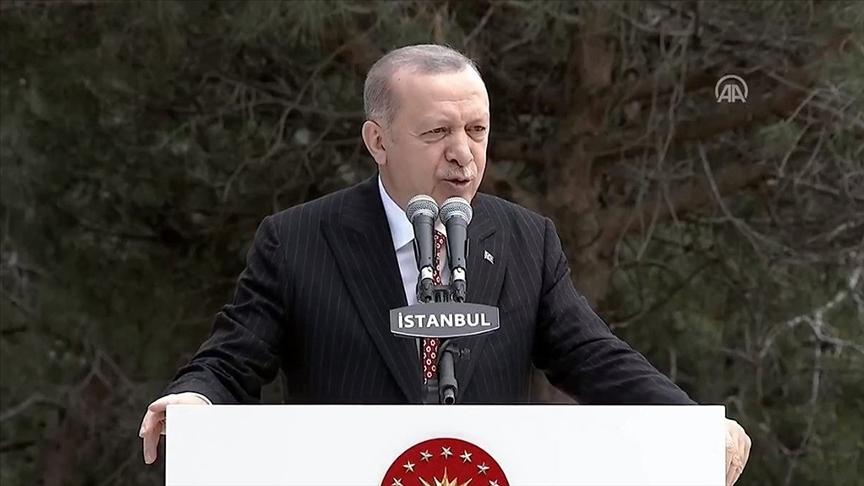 Erdoğan: Türkiye'nin en büyük bayrağını dikiyoruz