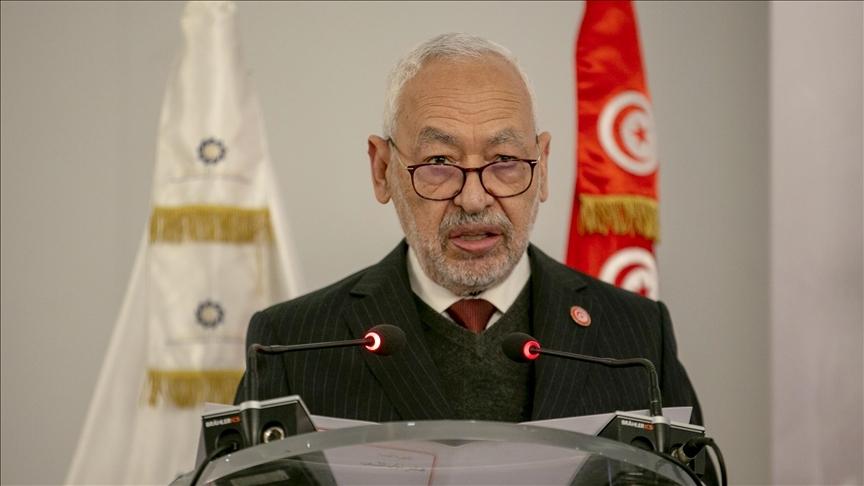 Tunus'ta hükümetin fesh edilmesi sonrası ordu sokağa indi