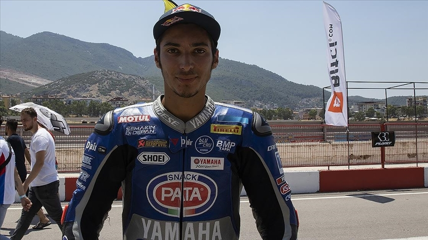 Milli motosikletçi Toprak Razgatlıoğlu, Çekya'daki ikinci yarışta 2. oldu