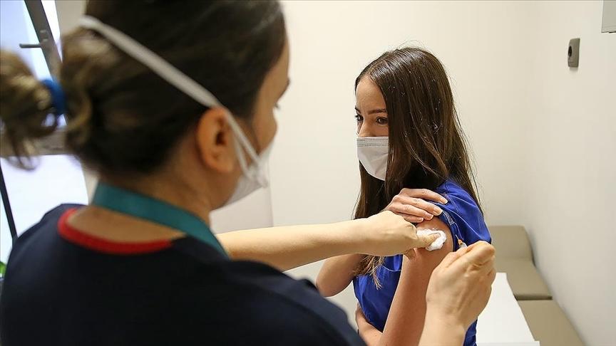 Sağlık Bakanlığınca uygulanan birinci ve ikinci doz toplam (Kovid-19) aşı miktarı 20 milyonu aştı