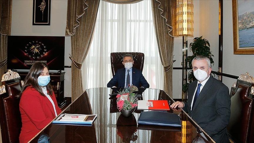 Fuat Oktay, Türk Patent ve Marka Kurumu Başkanı ile Türk Dünyası Belediyeler Birliği Başkanını kabul etti