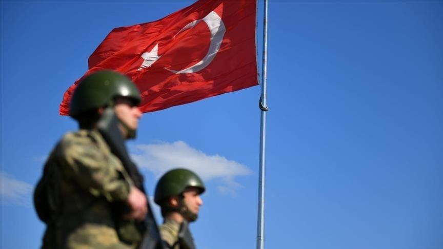 Yunanistan ve Suriye sınırında 4'ü terörist 7 kişi yakalandı