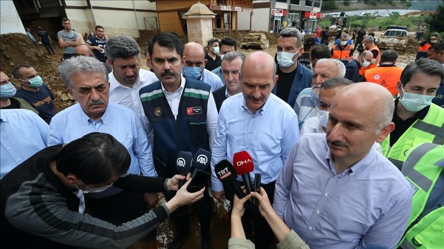 Bakanlar Soylu, Kurum ve Karaismailoğlu, Rize'de afet bölgesinde incelemelerde bulundu