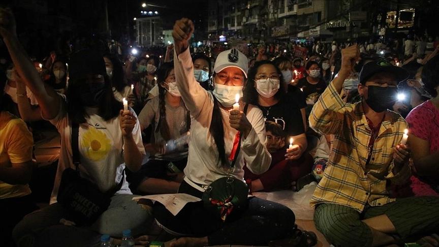Myanmar'da ordunun protestoculara müdahalesi sonucu ölenlerin sayısı 759'a yükseldi