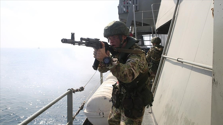 Rus donanması, Kerç Boğazı yakınlarında tatbikat yapıyor