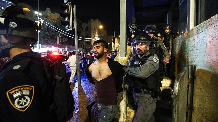 İsrail polisi, Şam Kapısı önünde toplanan Filistinlilere müdahale etti