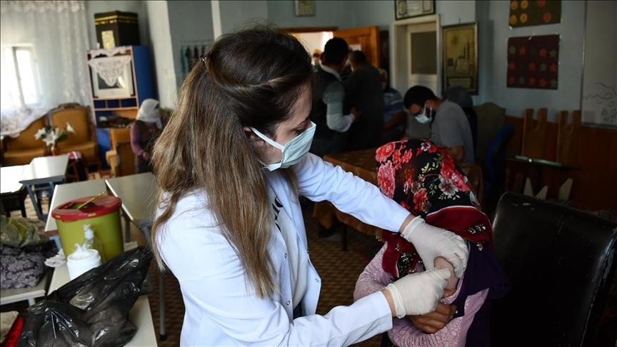 Türkiye'de 18 bin 857 kişinin Kovid-19 testi pozitif çıktı