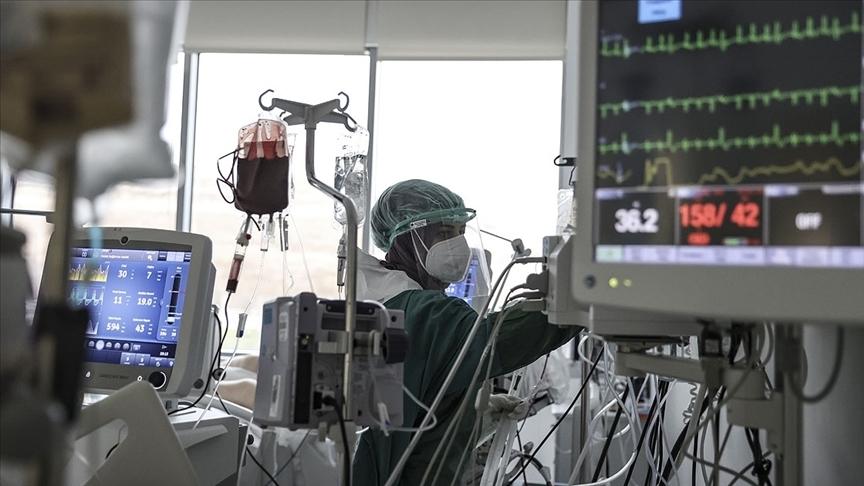 Türkiye'de 25 bin 980 kişinin Kovid-19 testi pozitif çıktı, 340 kişi yaşamını yitirdi