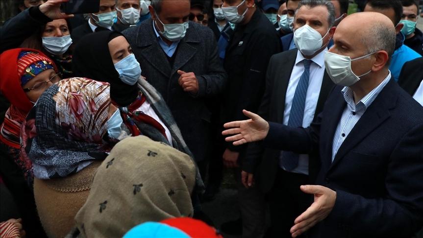 Ulaştırma ve Altyapı Bakanı Karaismailoğlu, İkizdere'de vatandaşlarla görüştü: Benim evim de burada