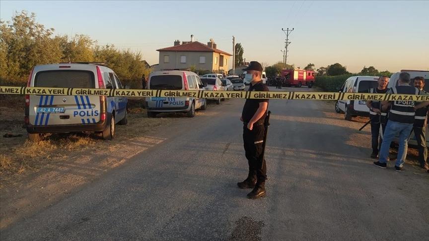Aynı aileden 7 kişi silahla öldürüldü