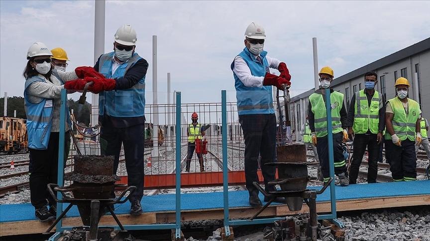 Ulaştırma ve Altyapı Bakanlığının İstanbul'daki 7 metro hattı 2023'te tamamlanmış olacak