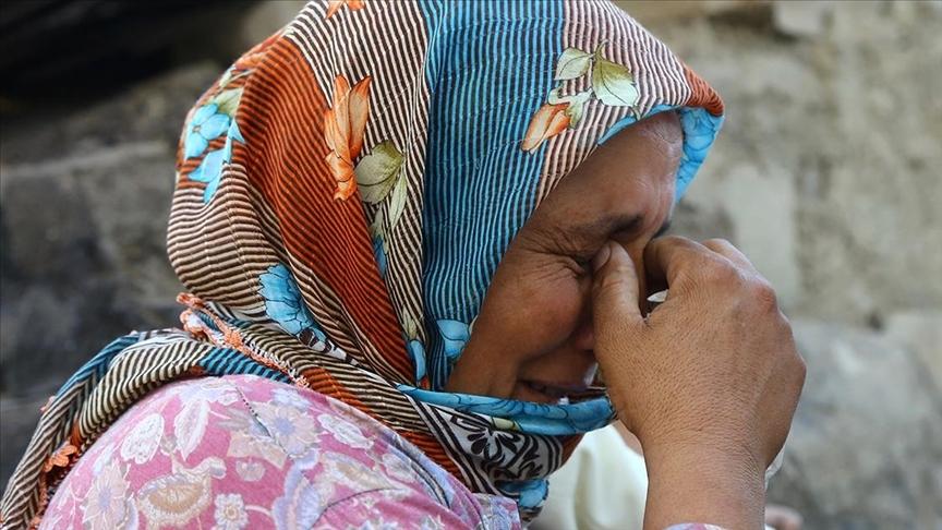 Manavgat'taki yangında evi kullanılamaz hale gelen aile yaşadıklarını anlattı