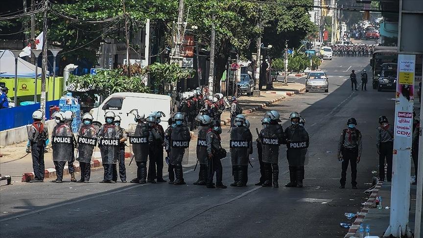 Myanmar'da ordu ile etnik silahlı grup arasında çatışma çıktı: 5 ölü