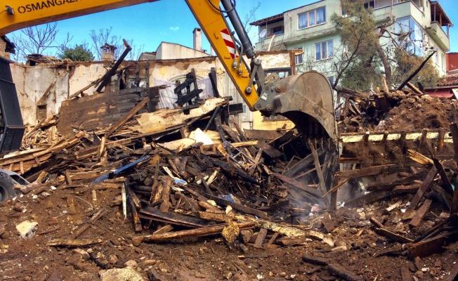 Osmangazi'de Yanan Binaya Anında Müdahale