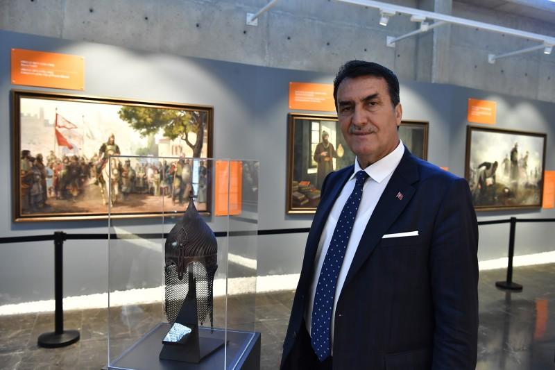 Osman Gazi'nin Miğferi Fetih Müzesi'nde