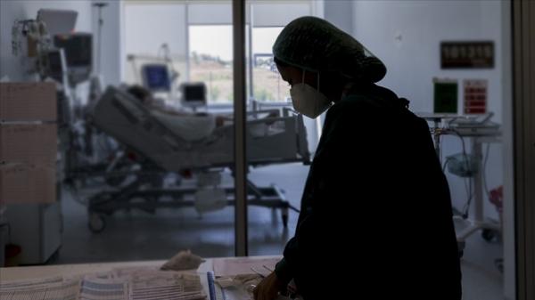 Türkiye'de 22 bin 332 kişinin Kovid-19 testi pozitif çıktı