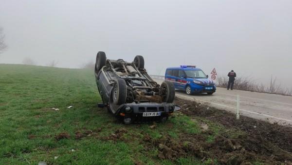 Bursa'da tarlaya devrilen cipin sürücüsü yaralandı