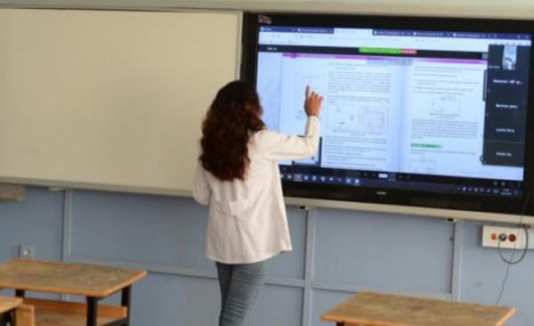 Bakan Özer'den öğretmenlere mazeret tayini müjdesi