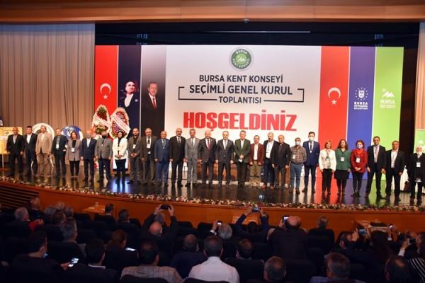 Bursa Kent Konseyi'nde Şevket Orhan güven tazeledi