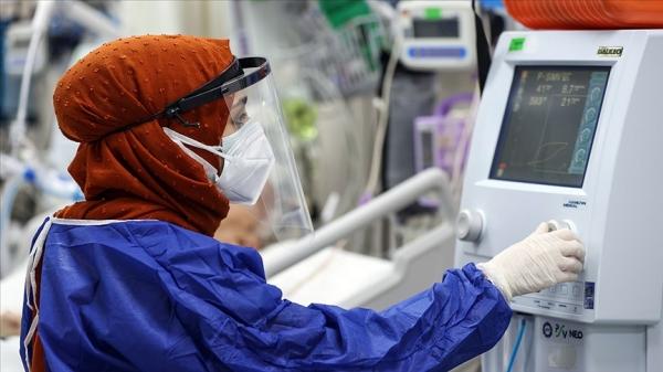 Türkiye'de 17 bin 912 kişinin Kovid-19 testi pozitif çıktı