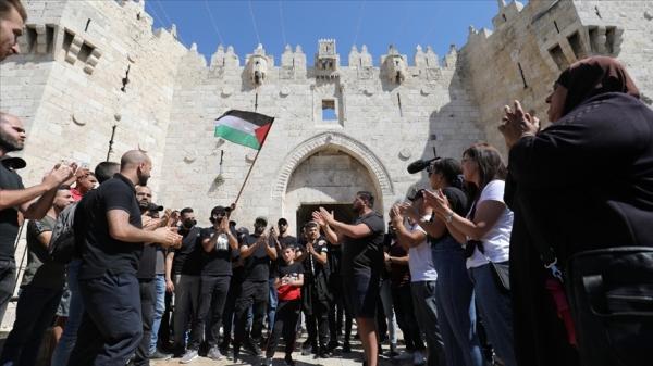 Filistinli gruplar, İsrail'i Şam Kapısı'ndan geçerek 'bayrak yürüyüşü' düzenlememe konusunda uyardı