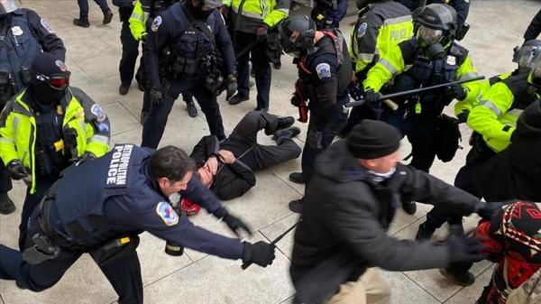 ABD'de Kongre baskını soruşturmasında en az 100 kişi daha gözaltına alınabilir