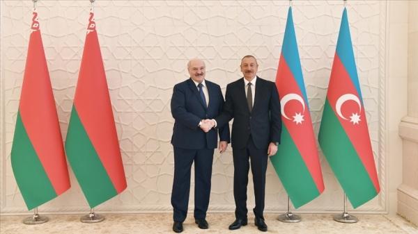 Belarus Cumhurbaşkanı Lukaşenko, Azerbaycan'da Cumhurbaşkanı Aliyev'le bir araya geldi