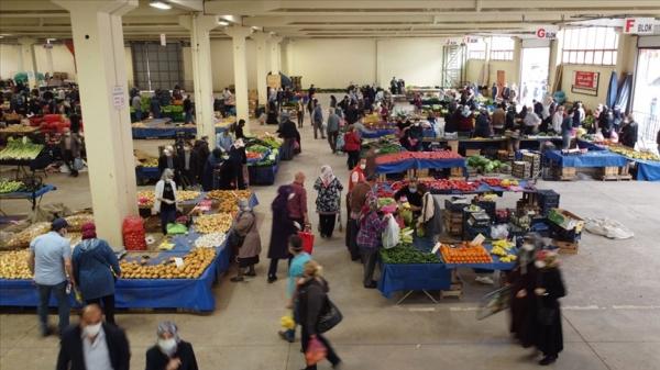 Halk pazarları Kovid-19 tedbirlerine uyularak açıldı