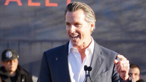 ABD'de California Valisi Gavin Newsom referandum sonucunda görevinde kaldı